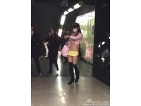 這次更短!上海地鐵再現屁股蛋正妹 網友:節操都碎了