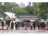北台灣轉濕涼 東北季風影響到週三