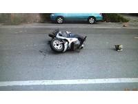 沒看後方突然開車門! 嘉義女駕駛害男騎士撞飛1死1傷