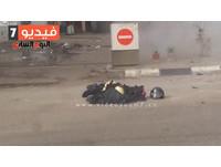 埃及警察現場拆彈引爆身亡 路人手機全都錄