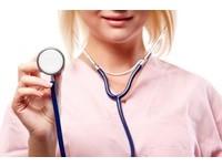 陰莖治療變「活塞運動」 荒誕女醫師和病患同居還受孕