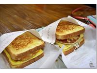 韓國梨花商圈  美味小吃與早餐吐司