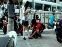 蹲地幫女友綁鞋帶是「使用前」 陳揮文挨批下流名嘴《ETtoday 新聞雲》