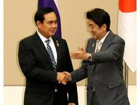 制衡大陸勢力 安倍展高度熱情接待泰國總理帕拉育