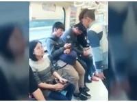 搭捷運麥可傑克森上身「傾斜45度」 網友:女子被嚇到