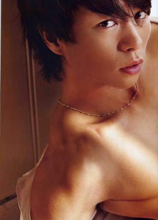 d97306 日本女大生「癖好大調查」 最喜歡的男性部位是?