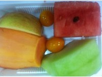 切片放2天沒變色?監察院發現會議桌上水果含雙氧水