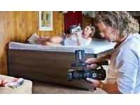 夫妻拍色情片養家 整個村莊都是A片演員