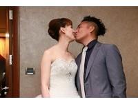 恭喜!44歲民雄娶助理「海角七號」助陣 全裸婚紗搶鏡