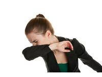 女性「尿失禁」高男性兩倍 骨盆肌肉弱...打噴嚏就漏尿