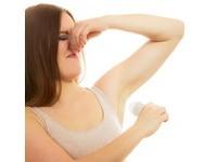 塗完止汗劑仍飄「腋」味? 那可能是你沒有先「擦乾」