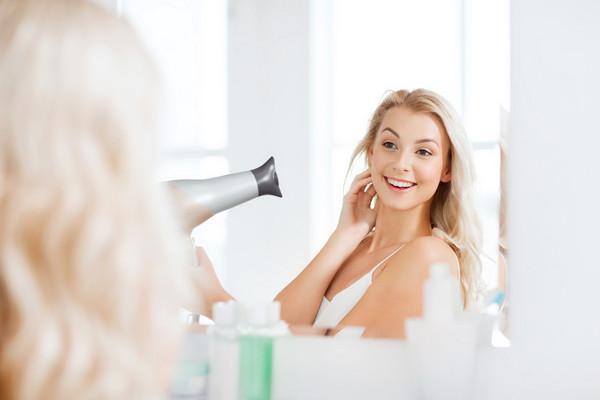 浸濕就抹洗髮乳?錯! 健康的「洗頭公式」記住這6點