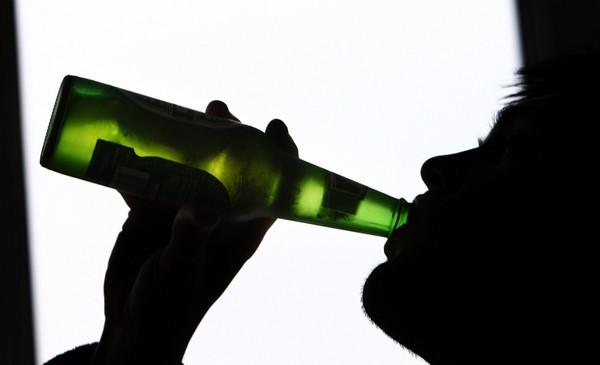 喝啤酒、酒駕、飲酒。(圖/達志/示意圖)