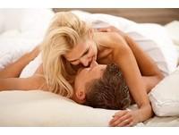 感情淡了? 科學證實:「一個動作」比狂做愛更sweet!