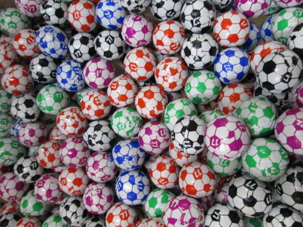 這糖球其實不叫「足球巧克力」 網驚:居然叫錯10幾年