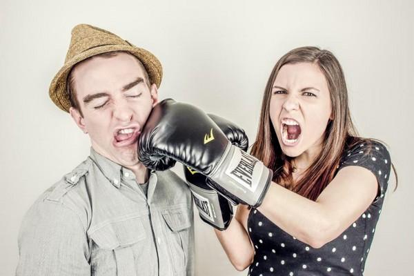 爭吵,小三,外遇,┴女性。(圖/取自LibreStock網站)