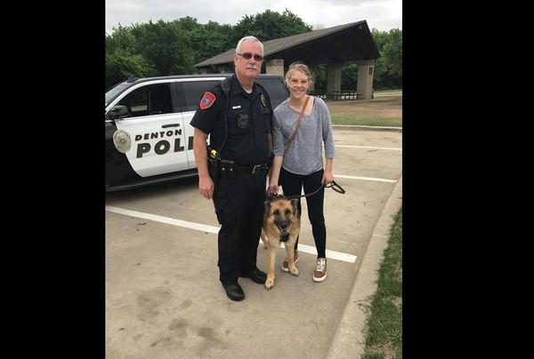 ▲狗狗在生命最後一天當上警犬。(圖/翻攝自City of Denton Police Department)