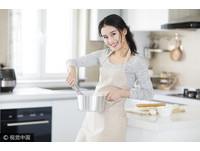 英國禁播「媽媽獨自做家事」廣告打破刻板印象 女星批管太多
