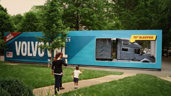 破金氏世界紀錄的試駕開箱!美國三歲男童試乘Volvo拖車(圖/翻攝自Volvo)