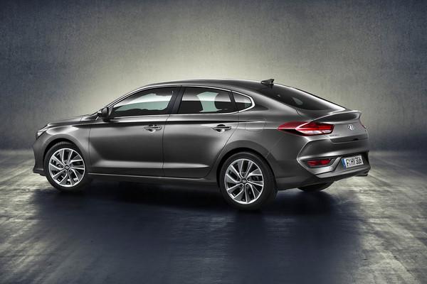 ▲275匹韓風性能鋼砲!現代i30 N與Fastback同步亮相。(圖/翻攝自Hyundai)