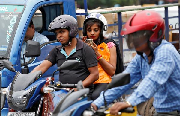 ▲印度有高達6成的民眾未考試就取得駕照。(圖/路透)