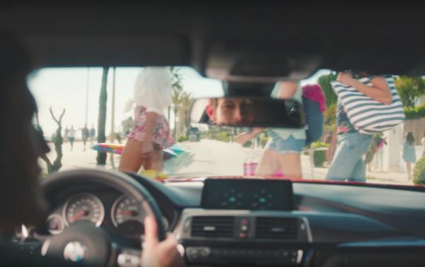 ▲男人車內愛看的羞羞風景 但換坐BMW M後..天堂秒掉地獄(圖/翻攝自YouTube/BMW M)