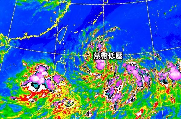 ▲▼ 熱帶低壓生成!快跑1天逼台掃雨 恐發「海上颱風警報」。(圖/中央氣象局)