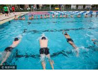 冬天游泳很傷身!寒氣囤體內無知覺 小心不孕、腎虧