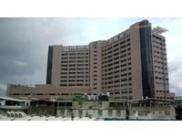 住輔大醫院旁...隔壁情侶每晚「床戰呻吟」 宅男崩潰:要瘋了!