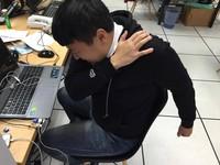 肩膀痛以為拉傷 男手舉不高「旋轉肌破裂」痛半年!