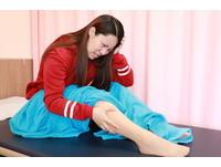 睡覺「螞蟻爬滿雙腿」! 24歲女罹不寧腿...狂動才能睡