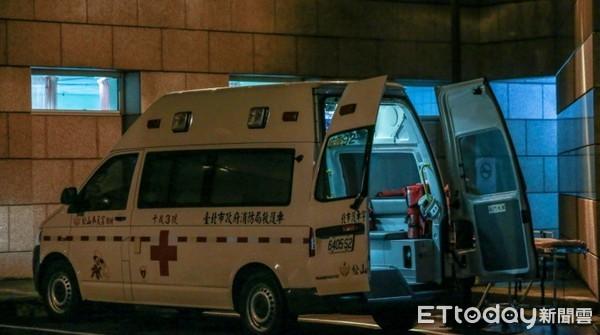 ▲▼ 夜間急診,救護車,送醫,三軍總醫院(新logo)(圖/示意圖/本報資料照)