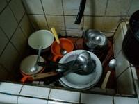 上班忙一天回家見「水槽堆滿髒碗」 人妻爆氣...網一面倒支持