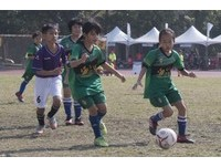 YAMAHA CUP/女力足球尬男生 踢得開心就好!