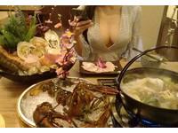 想推薦海鮮活跳跳!女友耶誕美照 網友點開全閃瞎:龍蝦在哪?