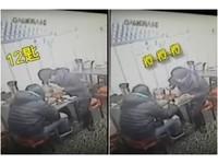 奧屁孩2人分1碗麵「狂加12匙酸菜」不吃閃人!店家怒PO監視器