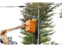 桃園市天空纜線清整專案啟動 3年清除900公里纜線