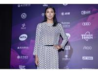 WTA台灣賽/詹皓晴點點裝氣質現身 張凱貞紅裙迎新年
