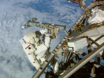 荷蘭航太公司推「把孕婦送外太空生產」 新生兒要跟著跳傘!
