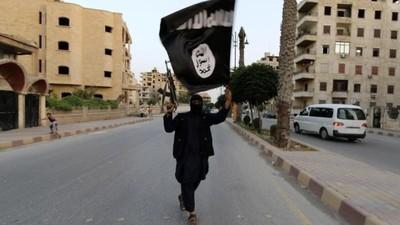 在英國被霸凌!她頭巾遭扯掉羞辱 投奔ISIS當聖戰新娘教訓西方