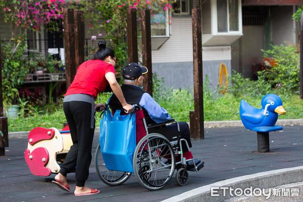 ▲▼老人照護,長照,長期照護,高齡化,年長者陪伴。(圖/記者季相儒攝)
