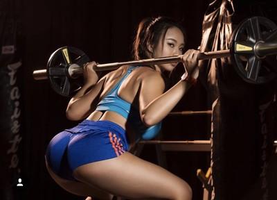 懶美教室/健身女神Jessica 4招練出極品美背,靠背影讓男人淪陷