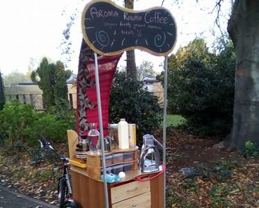 在公園喝才享受!澳男開迷你行動咖啡館:每天賣20杯就夠生活