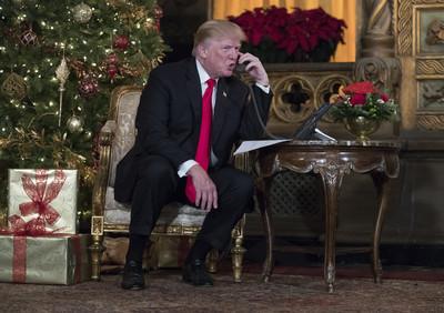 川普被耍跟「假參議員」嗨聊4分鐘!暢談移民、大法官問題