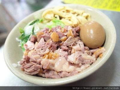 新北永和型男鵝肉店 特製鵝肉飯、配料滿滿的鵝腸湯