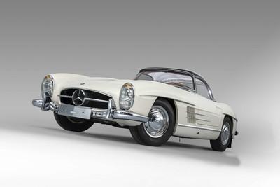 老賓士300 SL身價飆破2.2億元 絕美身型讓車迷都醉了