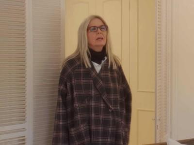 戲服遭酸「醜到必須回收」 導演證實:女主角本人私藏大衣