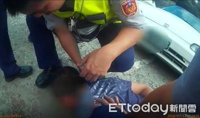 超囂張!慣竊開車猛催油門吵死人 警方一槍讓他「爬」下車