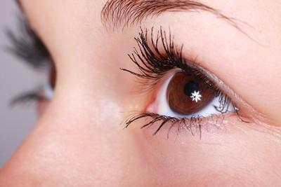 李偉文/3C眼的保健!受傷很難復原的視網膜與黃斑部