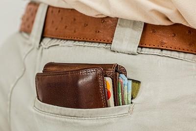 錢包放口袋超NG!日常10行為「狂虐下背部」痛到歪腰啦